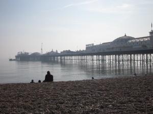 Brighton pier. London to Brighton har målgang på stranda like i nærheten. (foto: Sara)