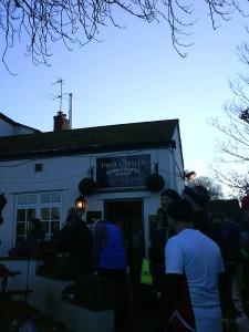 Utrolig mange løp i UK starter og/eller slutter e en pub. I dette tilfellet Prince of Wales i Iffley, Oxford