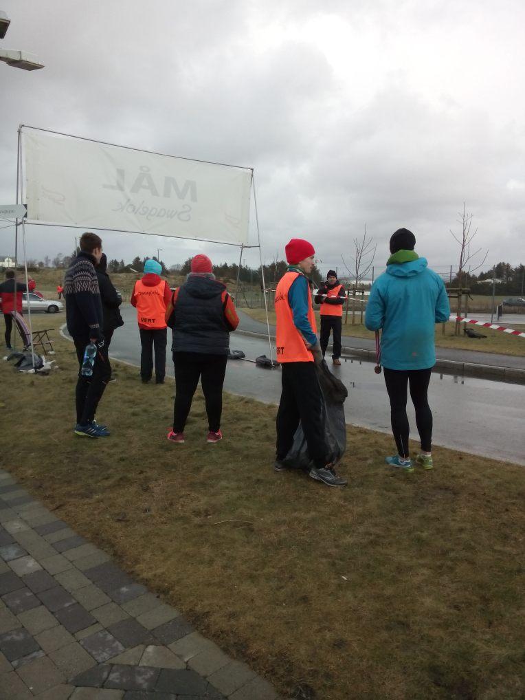 Ca to timer etter startskuddet var det flere funksjonærer enn løpere igjen i løyp og målområdet.