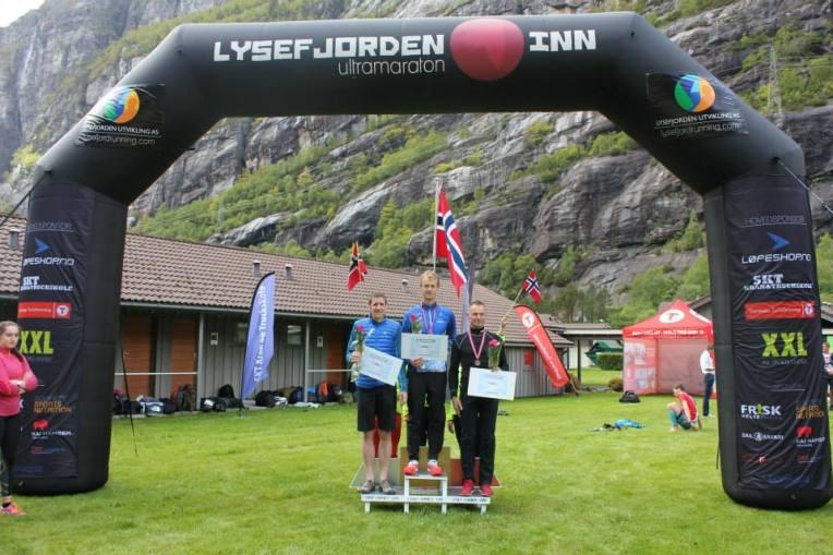 Herrenes seierspall. 1. plass: Tom Erik Halvorsen, 2. plass: John Duncan, 3. plass: Bjørn Magne Svines