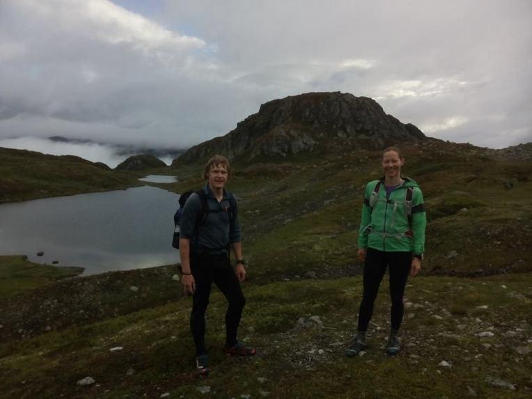 Kalle og Mari, muligens i nærheten av Sandvatn et sted.